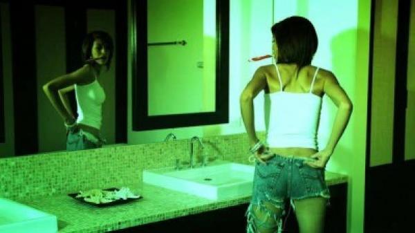 Молоденькая девочка так и не попала в школу / Heather Vahn (2009) DVDRip