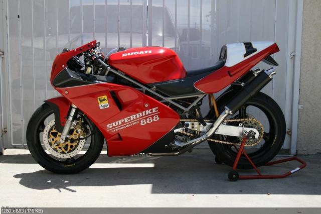 Мотоцикл Ducati 888SPO 1993